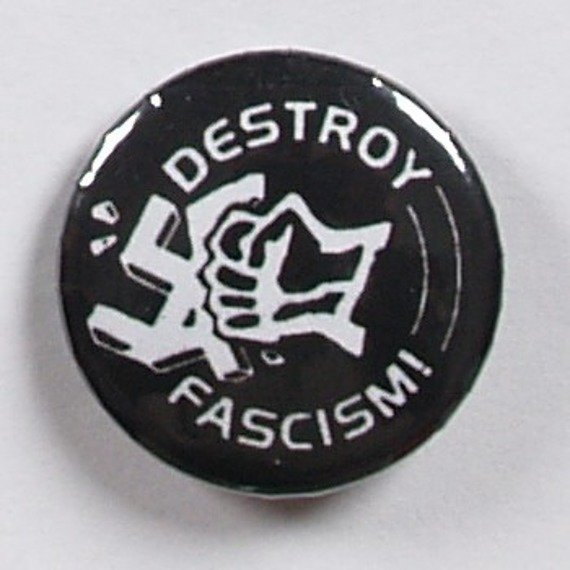 kapsel DESTROY FASCISM